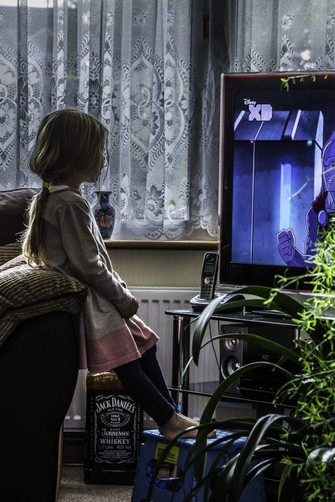 bambina-tv-1200x1800